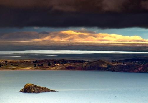 TIticaca søen, i Peru/Bolivia, ligger i næsten 4000 meter højde.