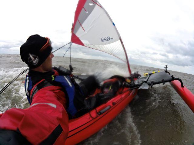 Hård vind ude ved Nordsøen klarede kajakkerne i fin stil / Hard winds in the North sea wasn't a problem for the kayaks.